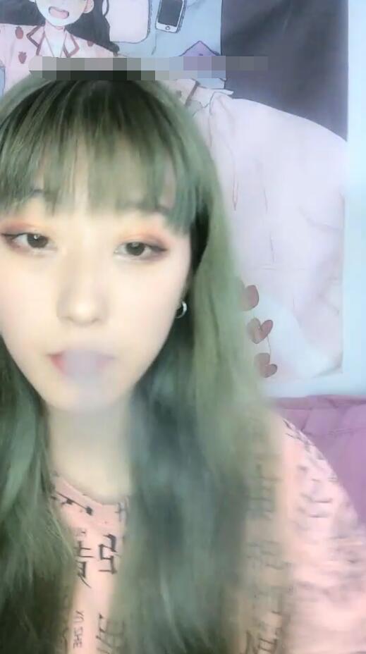 【北京小仙女】高颜值极品身材小姐姐烟瘾也不小