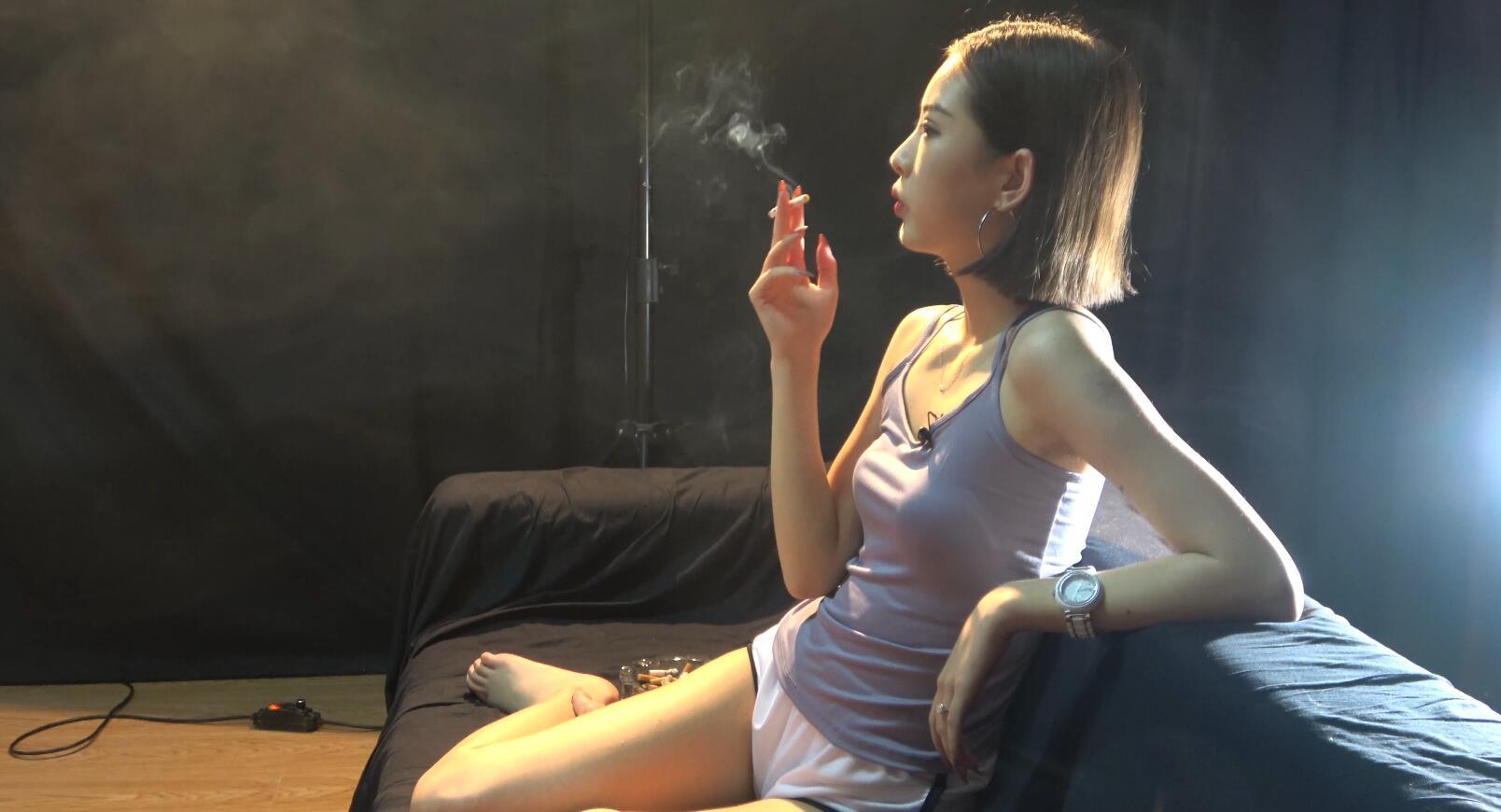 极品萌妹子抽烟采访实录带你了解妹子抽烟的故事[MP4/2.09GB/度盘/GoogleDrive]