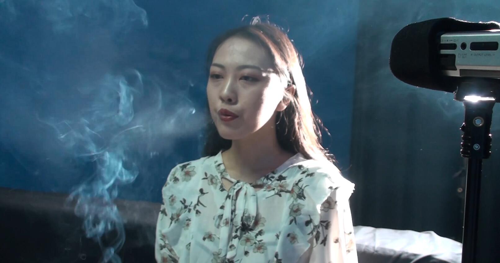 美女小姐姐抽烟视频下载