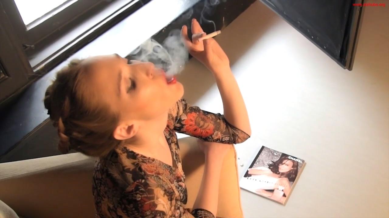 超有感觉的极品吸烟妹第一集